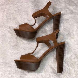 Breckelle's Ankle Strap Wooden Platform Heels